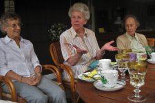 tea-party-1335722_1920